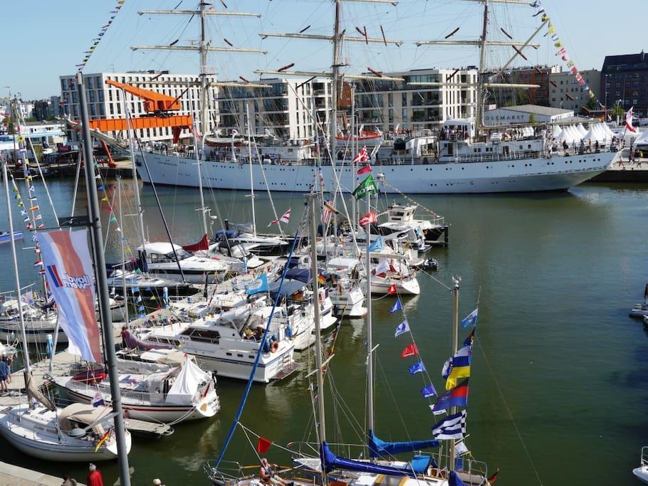 Blick vom Apartment auf die Marina (Sail)