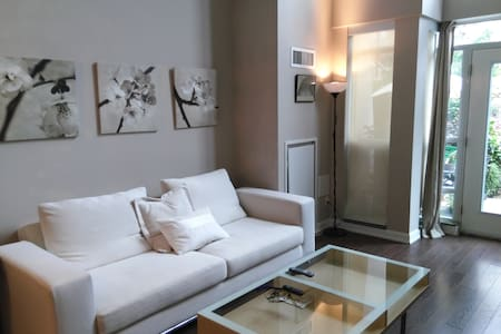 Ensuite Bedroom Downtown Toronto
