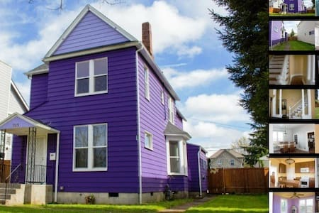 Purple Palace-Pink Lady Room - Tacoma - Maison
