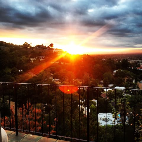 Beautiful cottage with amazing view - Los Angeles - Talo