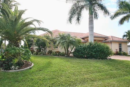 WaterFront,Pool,Spa,MsBd/Bath/Kayak/Bicycle - North Fort Myers - Bed & Breakfast