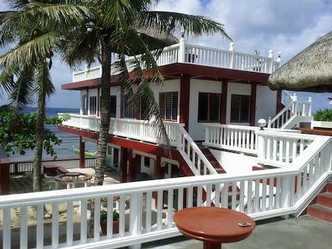 BIRI ISLANDS VILLA AMOR