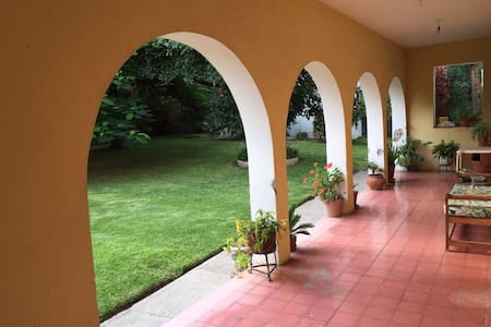 Casona Antigua, Ribera de Chapala. - San Juan Cosalá