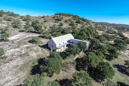 Hill Country Hideaway - Blanco - Huis