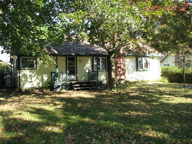 Long Point Cottage - Port Rowan - Srub