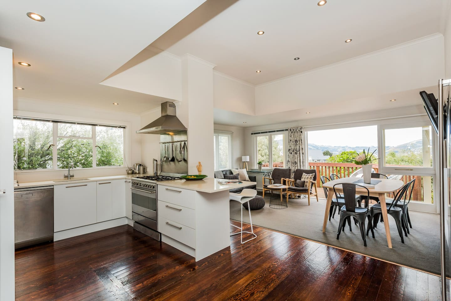 Fully renovated open plan kitchen, dining and living areas