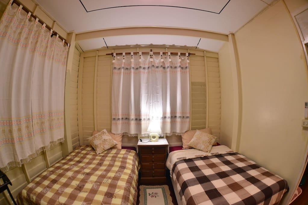 E-San Room (2 Beds Bedroom)