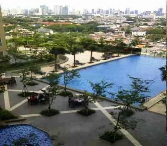 3BDR;Mall Attached+WiFi+Playgrnd+Gym+Pool+BBQ Pits - South Jakarta - Lakás