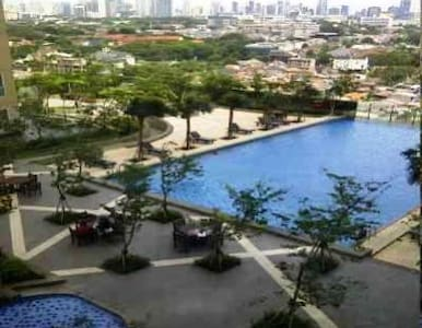 3BDR;Mall Attached+WiFi+Playgrnd+Gym+Pool+BBQ Pits - 南雅加达(South Jakarta) - 公寓