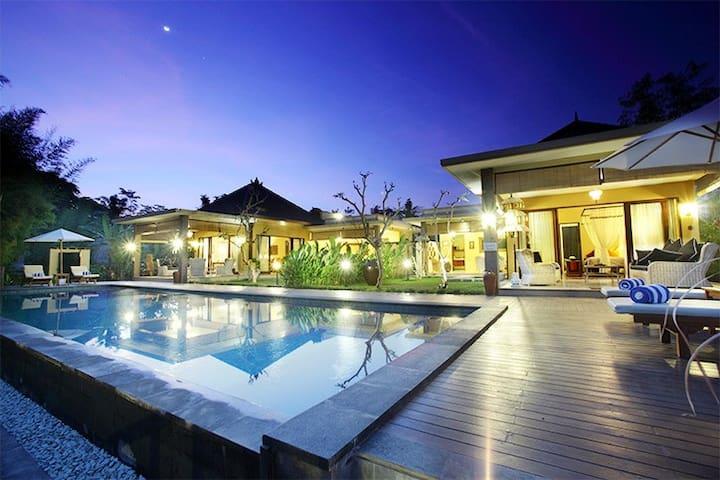 Nirvana Suite 2, Luxury 2 Bedroom Villa, Ubud - Ubud, Gianyar - Villa