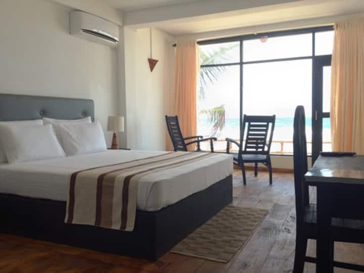 Kurudu Beach Inn - Standard