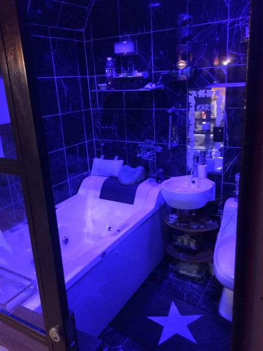 Jacuzzi tub with blue light