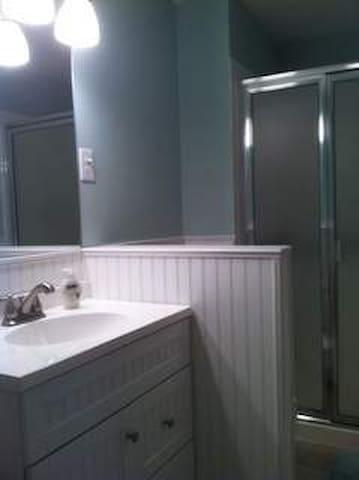 Furnished 2 Bedroom 2 Bath