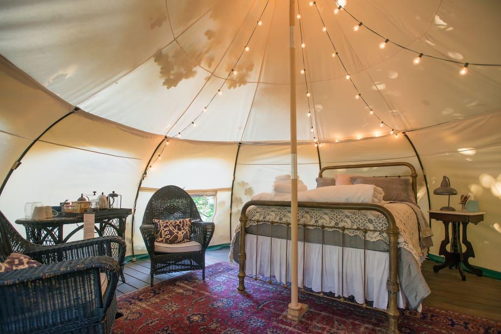 Ultimate Glamping Tent @ Urban Farm