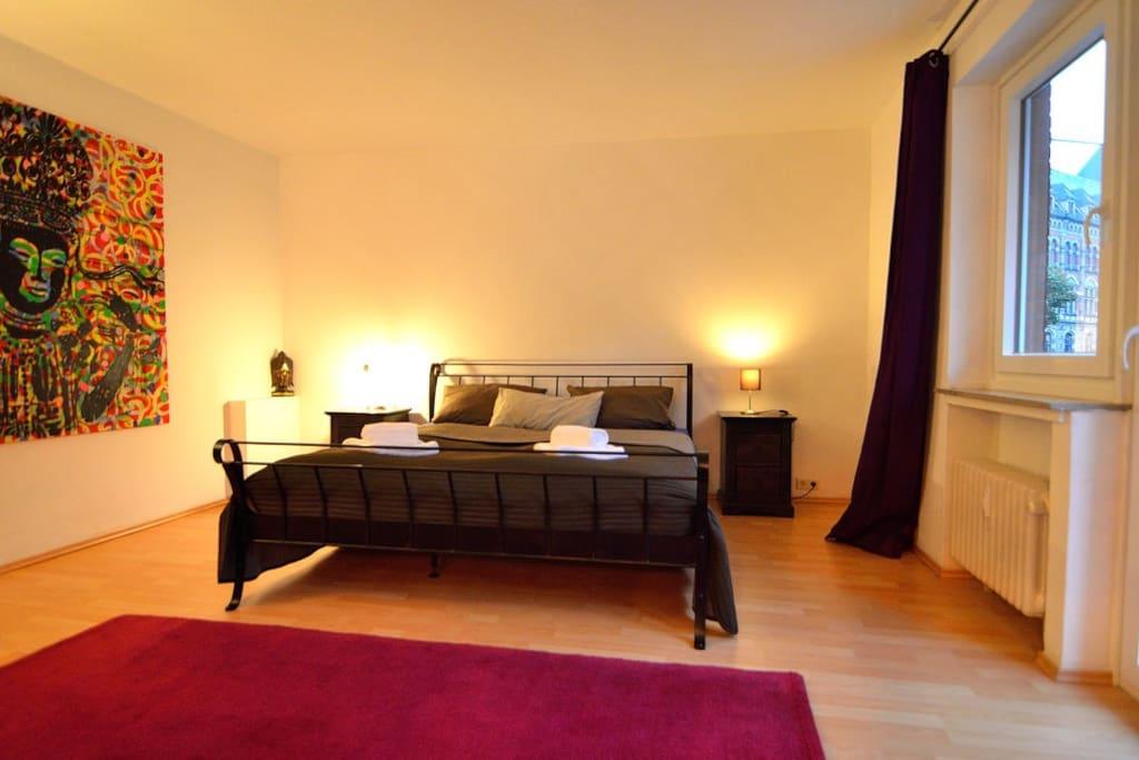 Großes Doppelbett 1,80 X 2,00