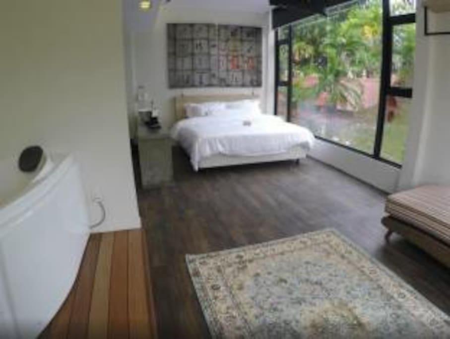 Garden Suite Bedroom with Jacuzzi