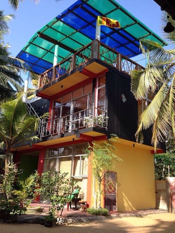 Beachhouse Wadduwa German Host