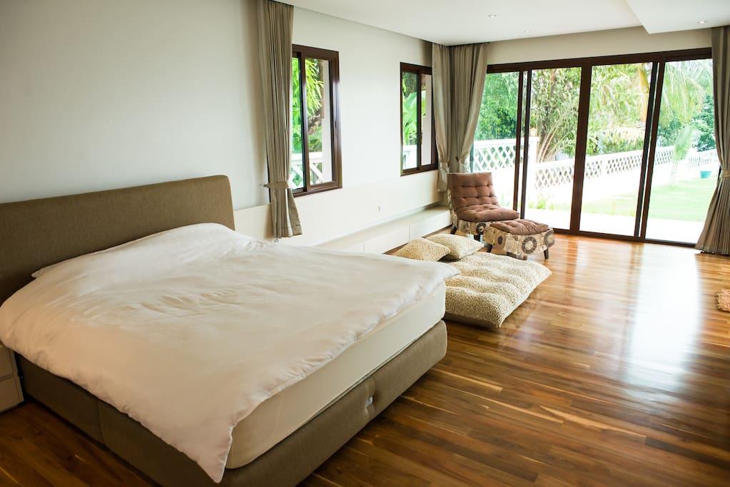 Main super  big bedroom