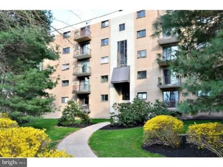 3 bed 2 bath Condo close to Philadelphia