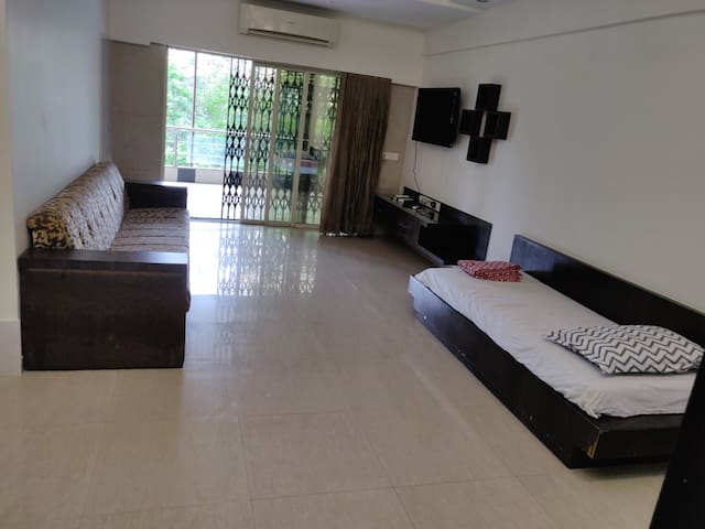 South Mumbai Luxurious fully furnished Apartment .
