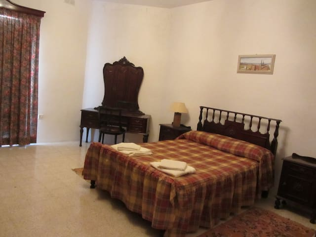 Central and in a quiet area - Balzan - House