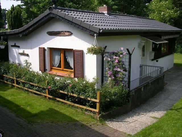 Kleines feines Ferienhäuschen - Hamburg - Casa