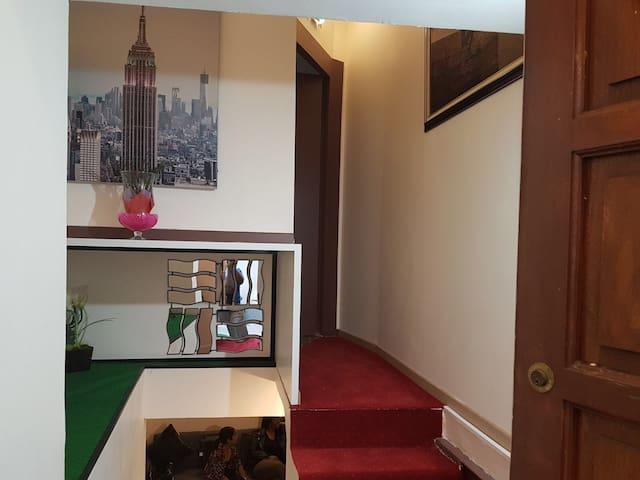 Souplex moderne chambre 3, accueillant et cosy