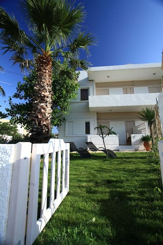 Arodamos independent apartment with private garden - Kissamos  - Apartment