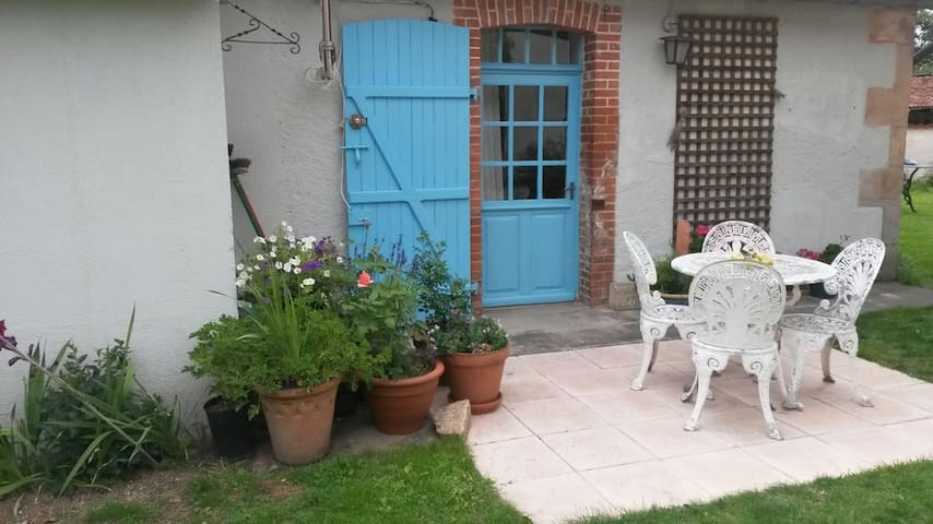Beautiful Charente-style cottage - Esse - Huis