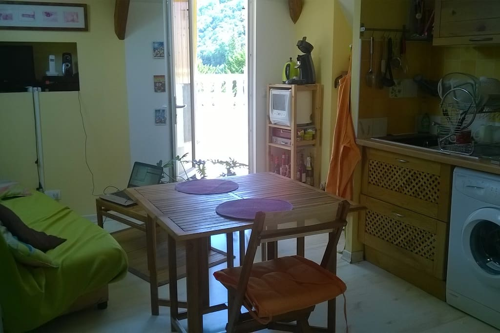 Atypique terrasse 10 min grenoble 30 min chamb for Location appartement atypique grenoble