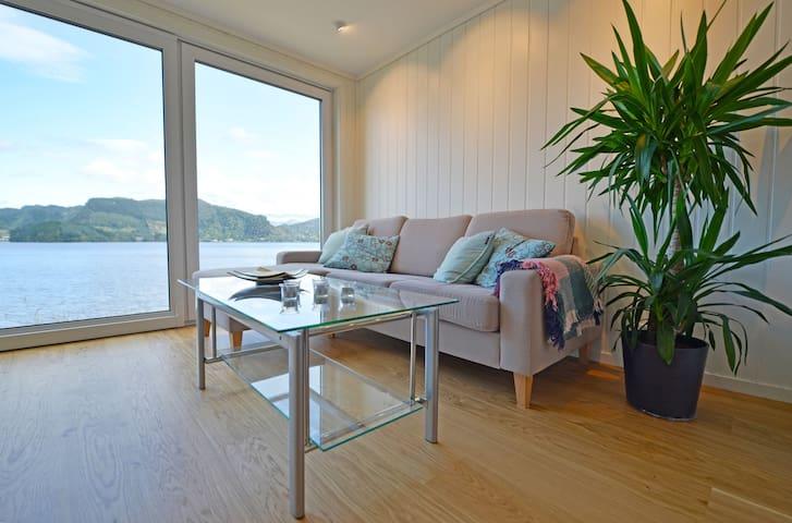 Idyll i vannkanten, nær Bergen - Bergen - Apartamento