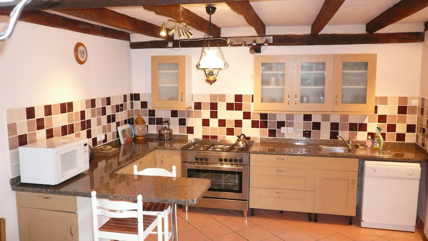 Large well equiped kitchen