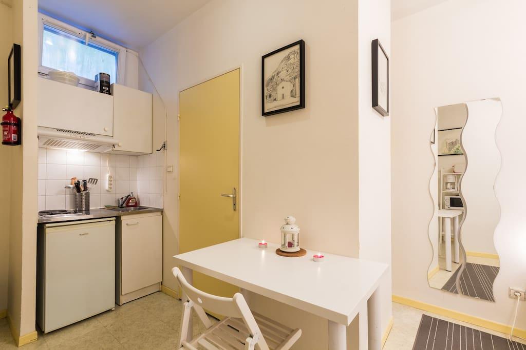 studio cabine appartements louer grenoble rh ne alpes france. Black Bedroom Furniture Sets. Home Design Ideas