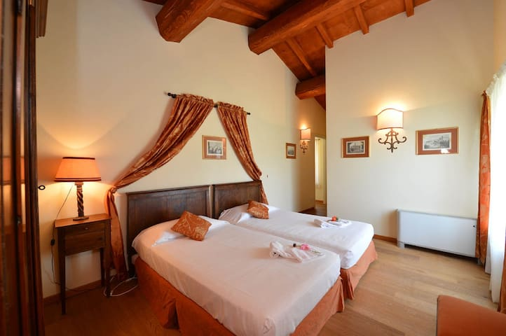 Elegant 2 bedrooms ap, Lake Garda - Peschiera del Garda - House