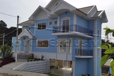 BEAUTIFUL HOUSE HIGH STANDARD