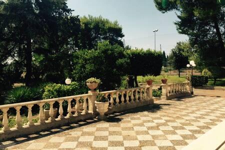 VILLA MARTINO - Lecce