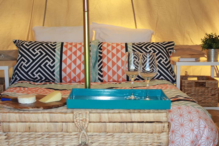 Glamping - 5 Metre Bell Tent - Royal National Park - เต็นท์