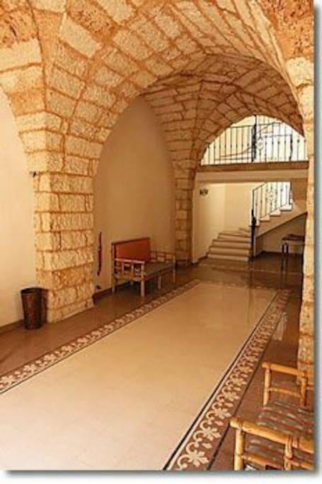 Entrata interna del palazzo...