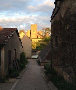 Vieux logis - Martailly-lès-Brancion - Rumah