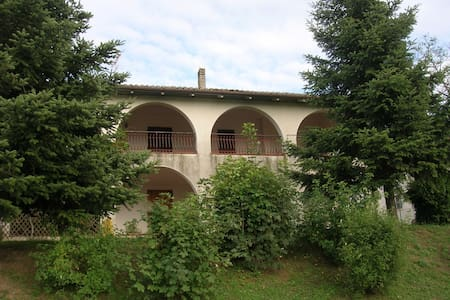 Nice Villa in the countryside - Piagge