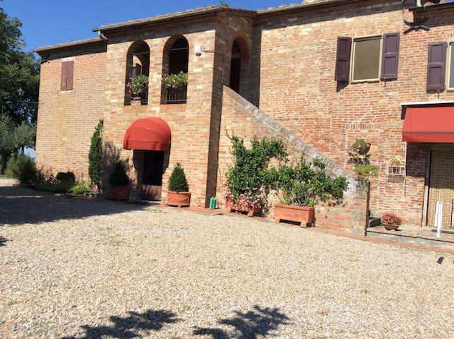 Casale fascinoso a Montepulciano - Valiano  - Villa