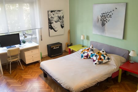 Room for 2 in artist flat-Villa Ada - Lakás
