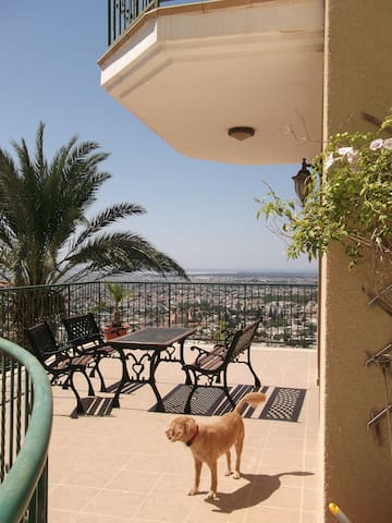 Luxury Double Room/En Suite/Breathtaking View - Limassol - Bed & Breakfast