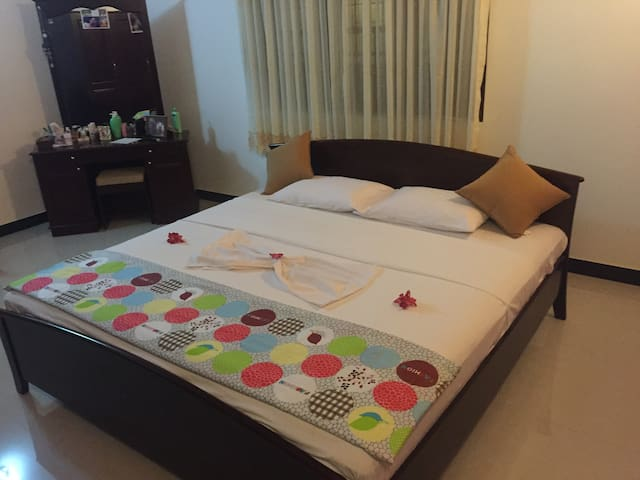 A friendly home stay at Negombo !