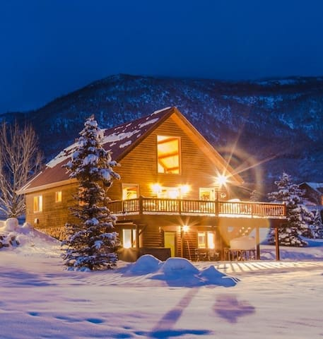 Spectacular Mountain Home Getaway!! - Steamboat Springs - Huis