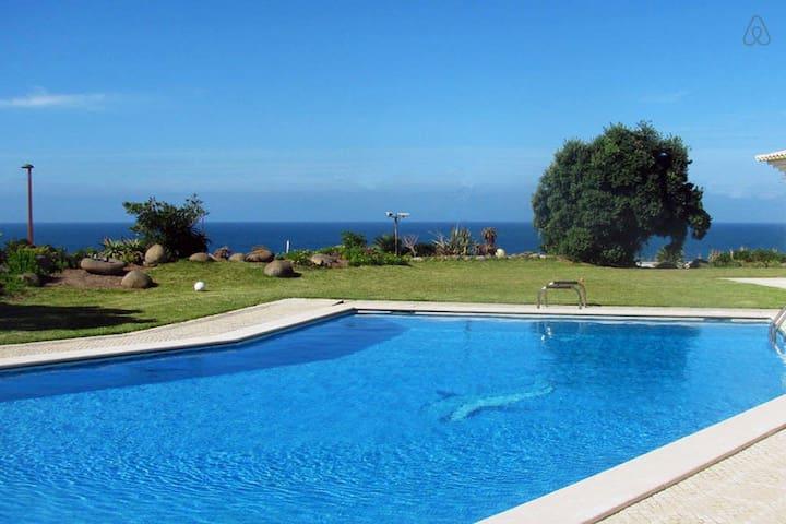 Villa Praia Grande - Colares - Dům