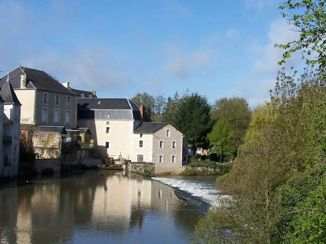 Cosy Mill off A10 south of Poitiers - Civray - Hus