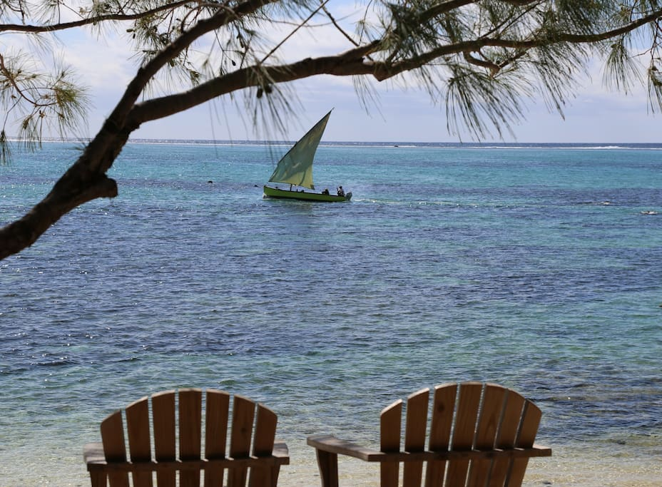 View of pirogue sailing from front property