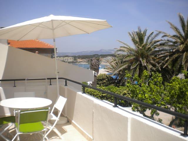 Appartement terrasse bord de l'eau