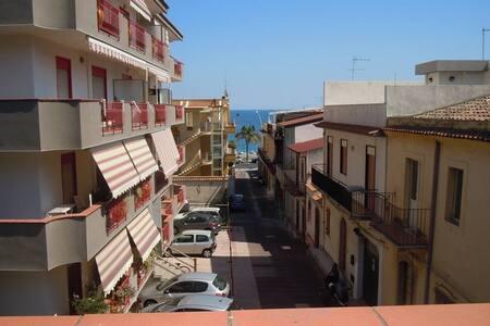 Ferienhaus in Roccalumera (ME) - Roccalumera - Apartament